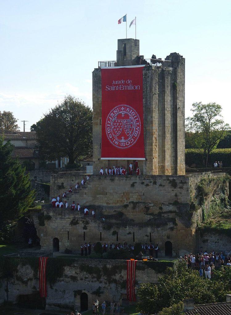 La Tour du Roi, jour de cérémonie