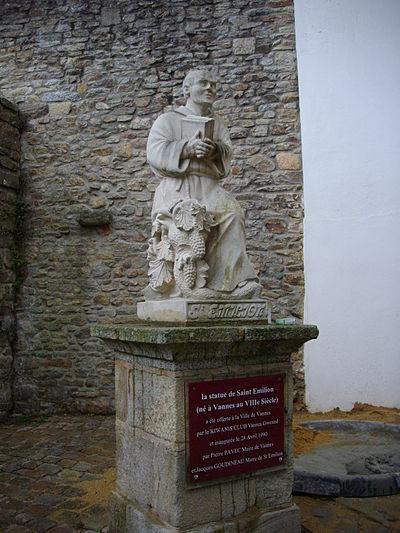 Statue de Saint Émilion